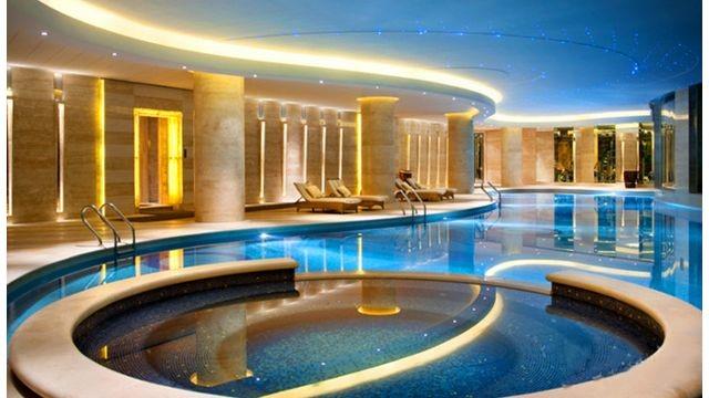 酒店室内恒温泳池.jpg